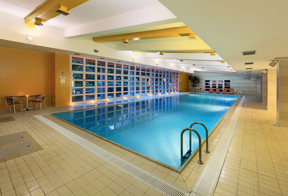 hotel duo sports center swimming pool 2mensi